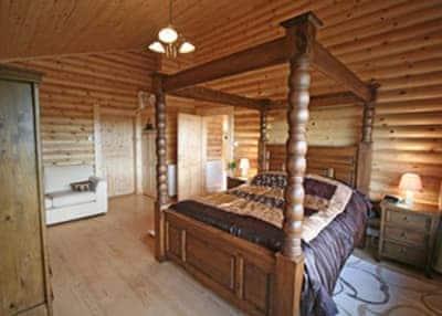 Bracken Log Cabin thumbnail 6