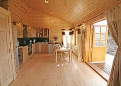 Bracken Log Cabin thumbnail 5
