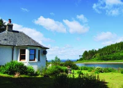 Shore Cottage thumbnail 5