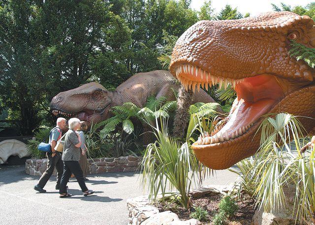Dinosaur park (adjacent)