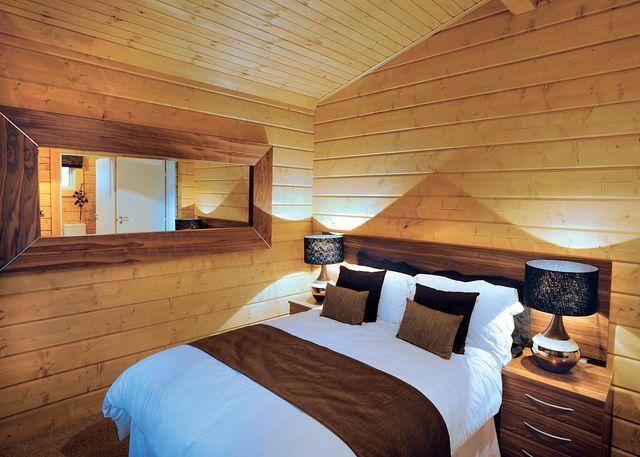 Westholme Oak bedroom