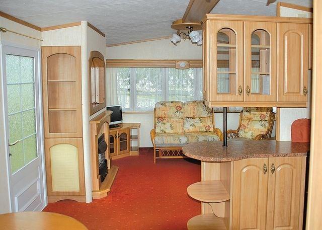 Oak Caravan lounge