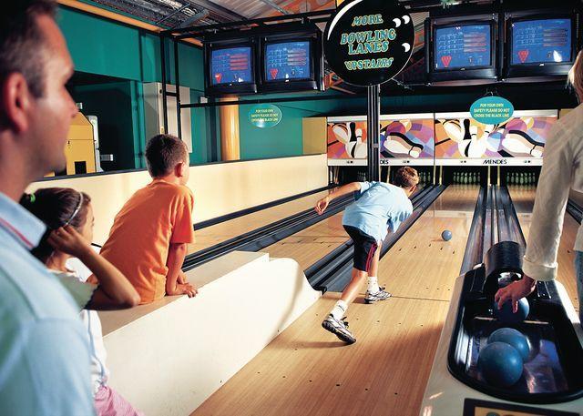 Mini 10 pin bowling