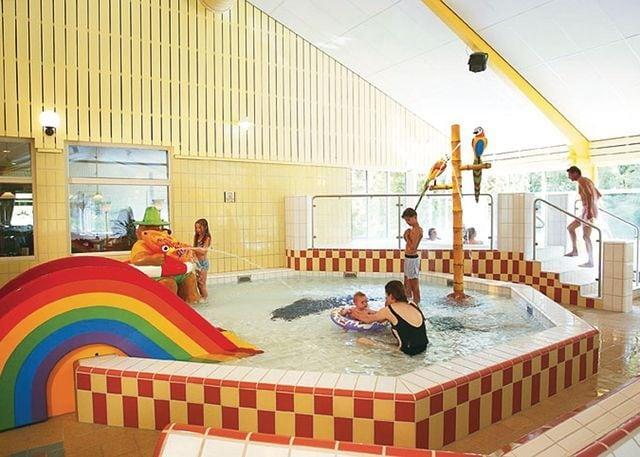 Indoor toddler's pool