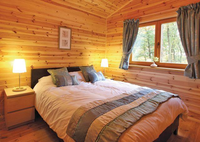 Cedar Lodge VIP bedroom