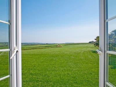 C4Y-B6130-https://img.chooseacottage.co.uk/Property/519/400/519808.jpg