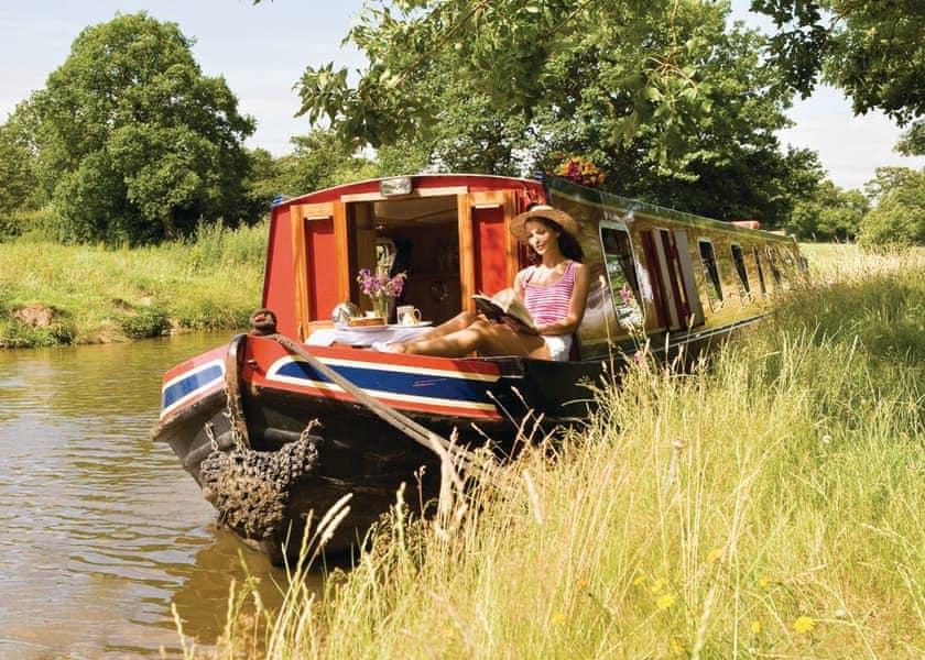 Lothbury Lady Boat Holiday