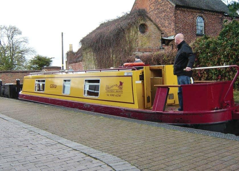 Gailey Nene Boat Holiday