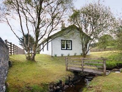 Rhubodach Cottage thumbnail 8