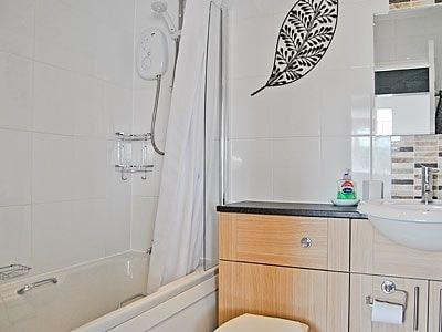 C4Y-25763-https://img.chooseacottage.co.uk/Property/587/400/587073.jpg
