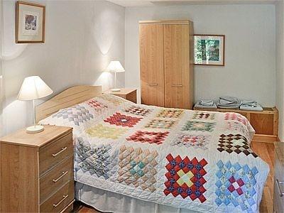 C4Y-W41590-https://img.chooseacottage.co.uk/Property/592/400/592651.jpg