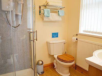 C4Y-W42381-https://img.chooseacottage.co.uk/Property/594/400/594426.jpg
