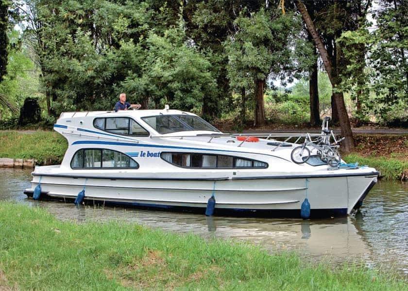 Caprice Boat Holiday