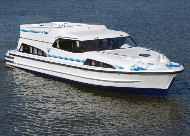 Mystique Boat Hire