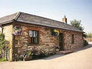 Hole House Farm Cottages - Riverbank Cottage