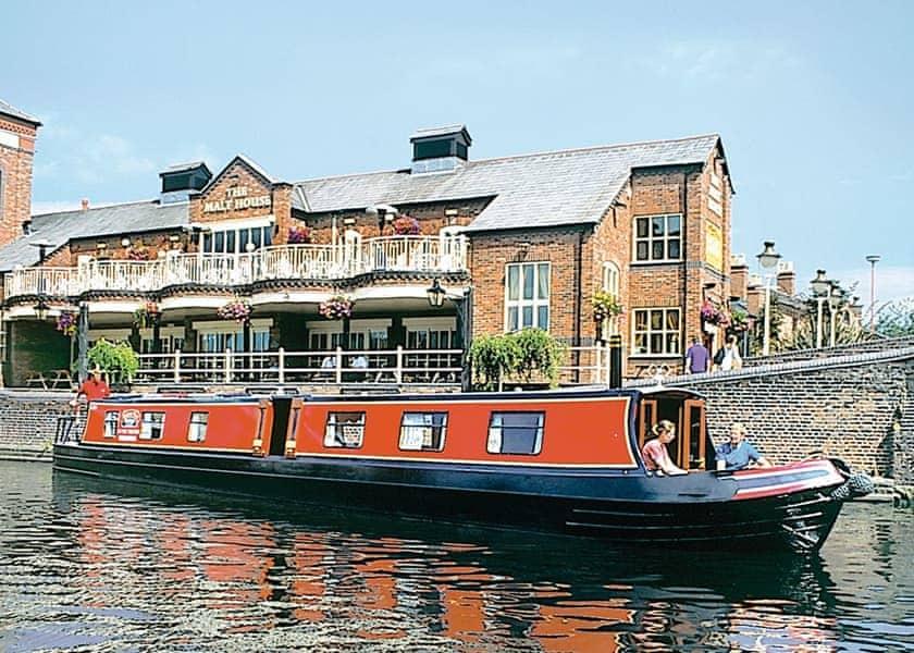 Sherborne Prince Boat Holiday