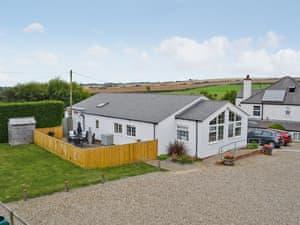 Newbiggin Gardens - Magpie Cottage