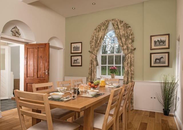 Gamekeeper's Cottage dining room