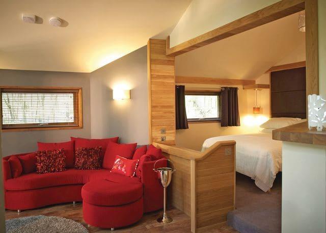 Golden Oak Hideaway - exclusive to Blackwood