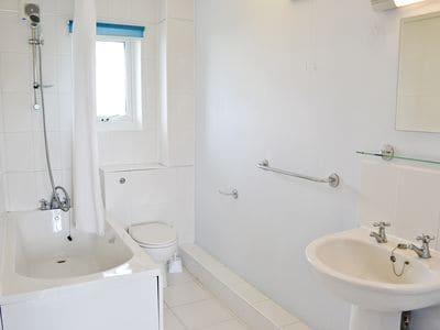 C4Y-B6850-https://img.chooseacottage.co.uk/Property/660/400/660261.jpg