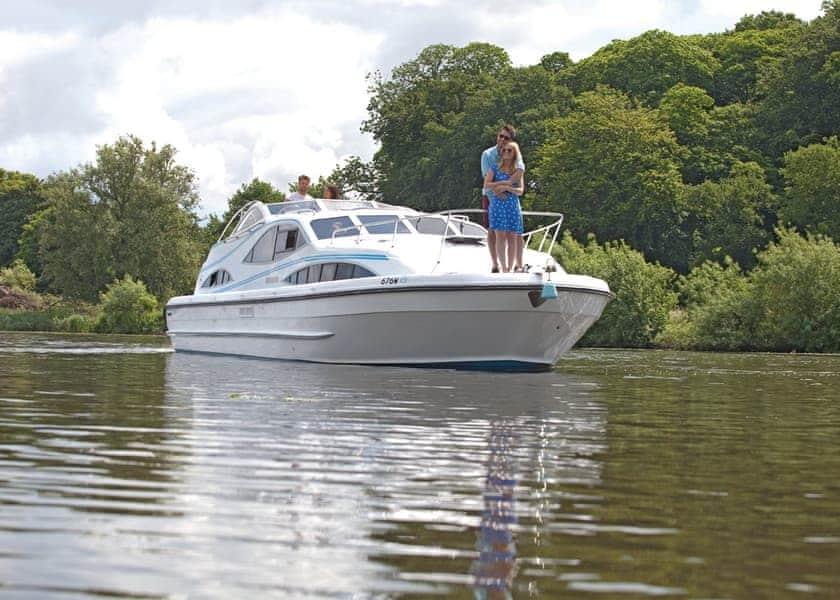 Silver Elegance Boat Holiday
