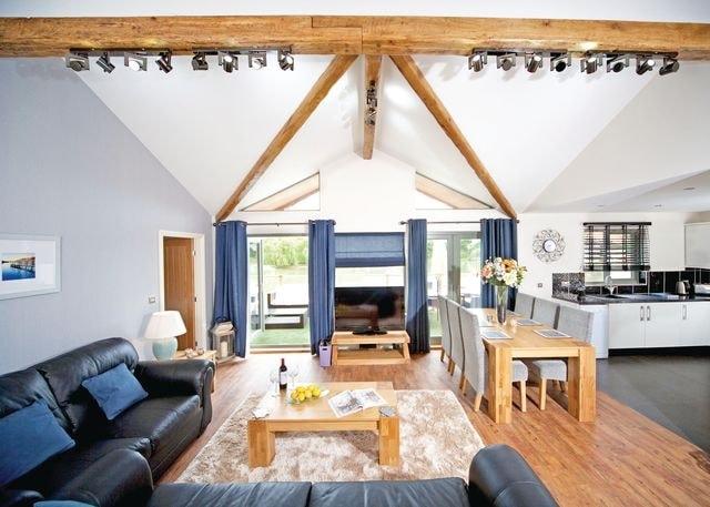 Swan Lodge