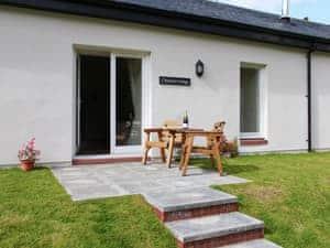 Auchendennan - Chestnut Cottage