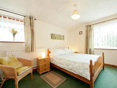 C4Y-W41582-https://img.chooseacottage.co.uk/Property/753/400/753017.jpg