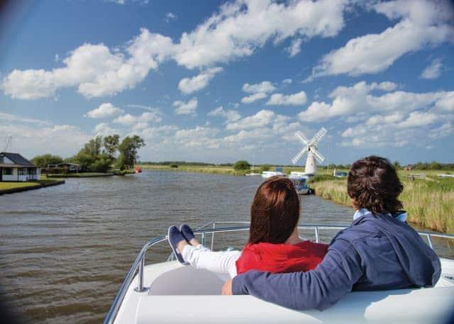 Cruising the River Thurne