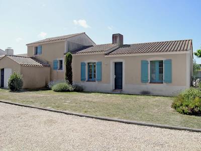 Villa De Monts thumbnail 2
