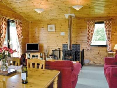 Larch Cottage thumbnail 2