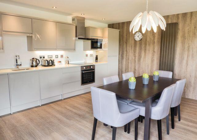 Millington/Pocklington Deluxe Lodge kitchen/dining room