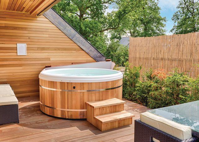 Millington/Pocklington Lodge hot tub