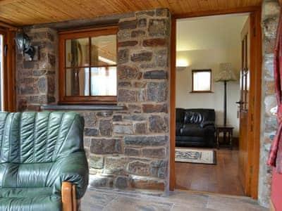 Rhyndaston Villa Cottage thumbnail 2