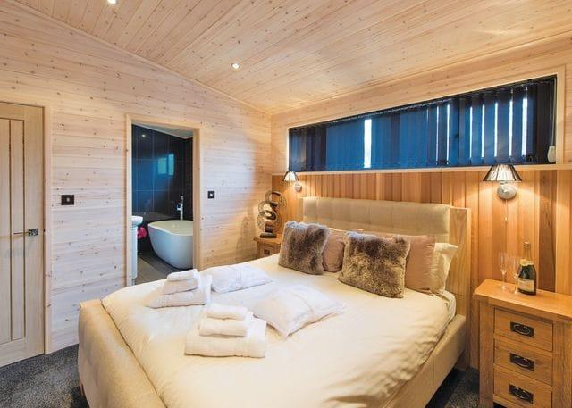 Goldcrest VIP Lodge double bedroom