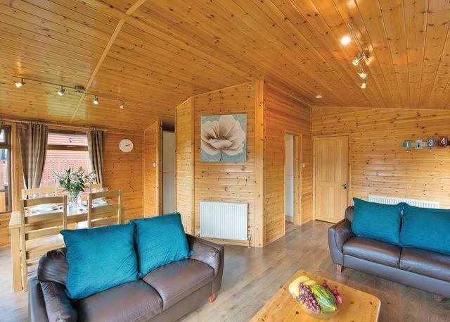 Kingfisher Lodge Plus living area
