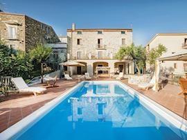 La Villa Del Sole, sleeps 14 in Cilento and Salerno.