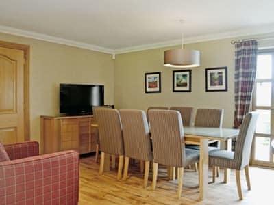 Lochnagar Lodge thumbnail 4