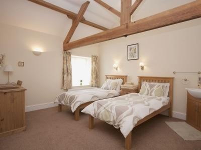 C4Y-25484-https://img.chooseacottage.co.uk/Property/829/400/829353.jpg