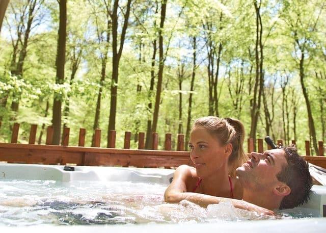 Golden Oak Hideaway hot tub