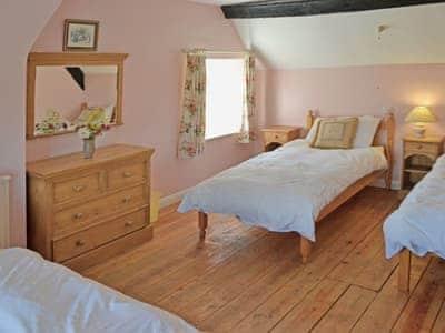 Tilham Cottage thumbnail 7