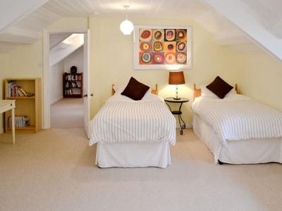 C4Y-HOOK-https://img.chooseacottage.co.uk/Property/878/400/878143.jpg