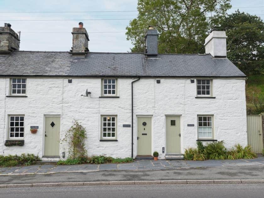 Under Moor Cottage
