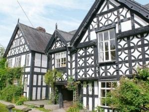 Trederwen House
