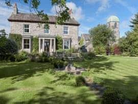 Hazel Grove House, sleeps 12 in Arnside and Silverdale.