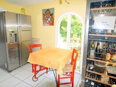 Maison Cornillon-confoux thumbnail 8