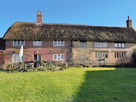 North End Farm House, sleeps 14 in Chideock.