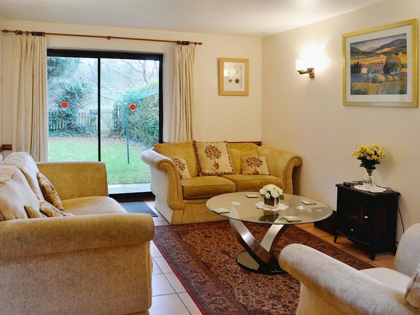 Corner Cottage - W44206