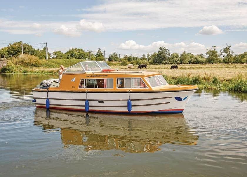 Sunlight Boat Holiday