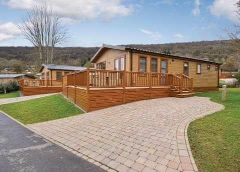 Axbridge Lodge Premier